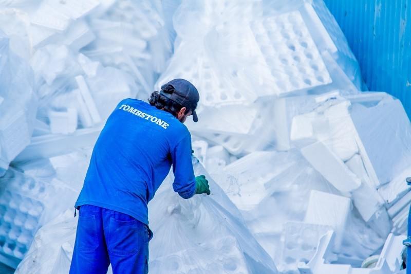 Empresa de reciclagem de plástico